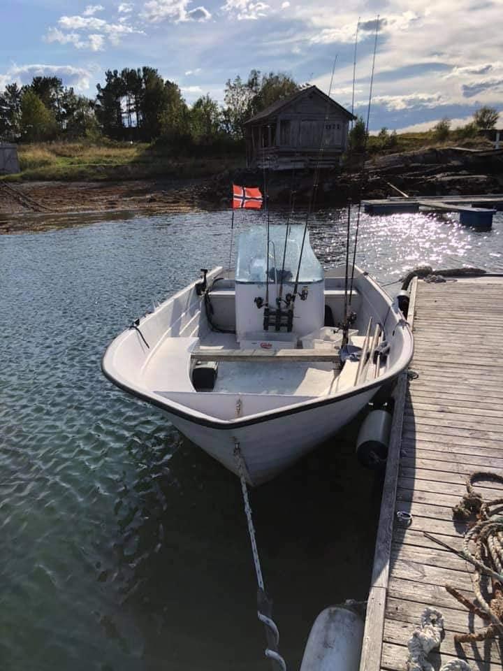 inkl. 20FT/40PS Kunststoffboot